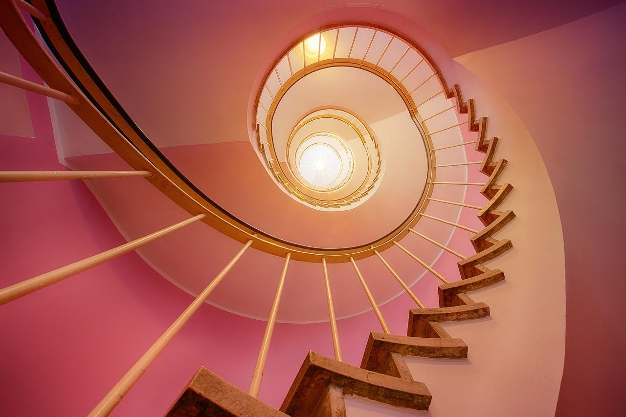 Cómo iluminar la escalera - Agencia Iglesias